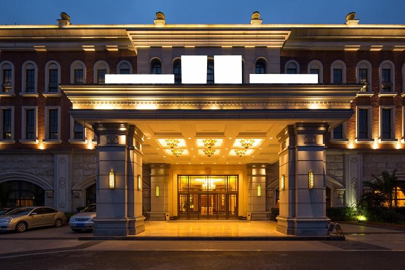 hospitality hotel entrance