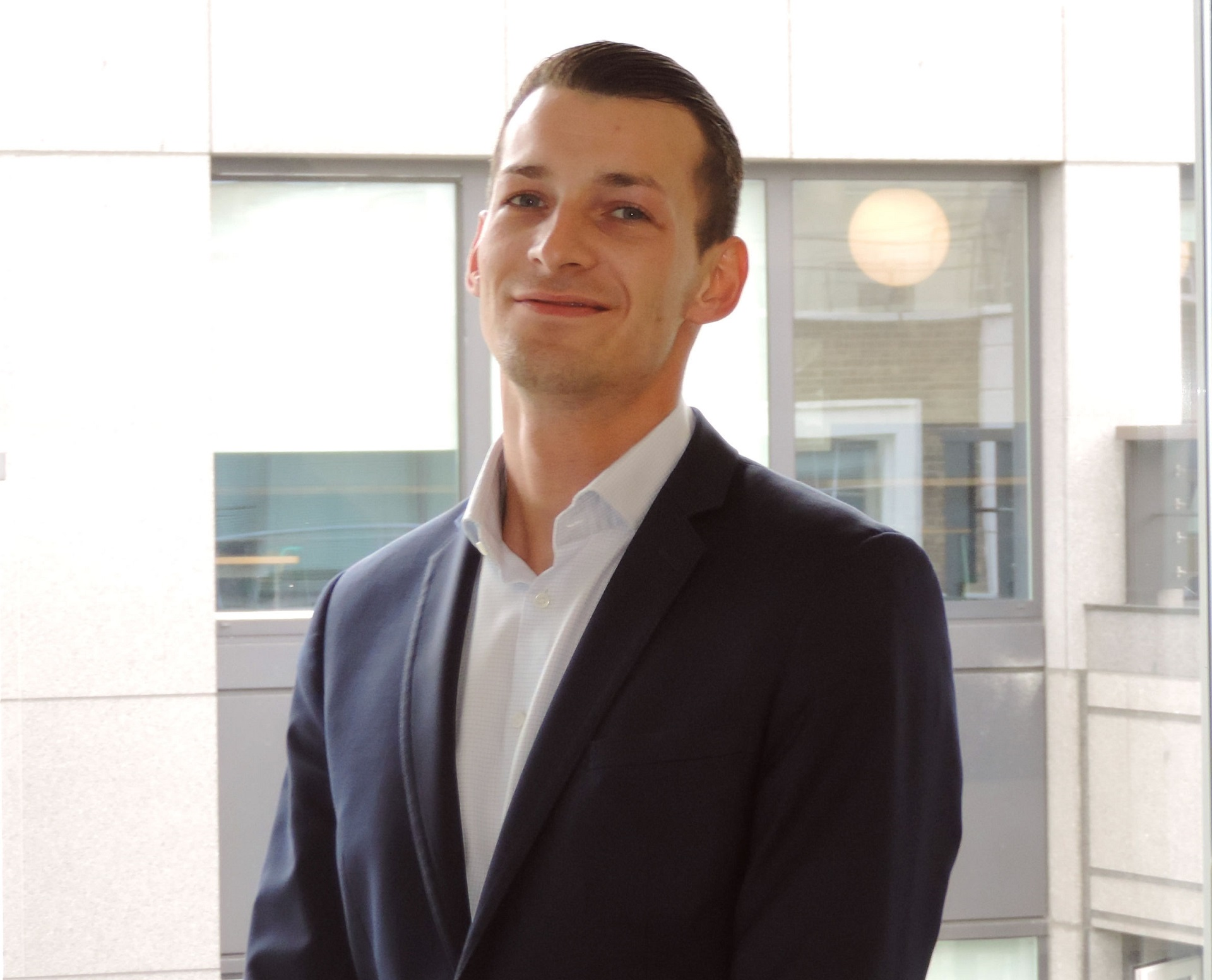 executive recruiter lukas knoll